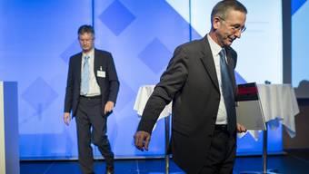 Der ehemalige Arbeitgeberdirektor Thomas Daum (vorne) akzeptierte die Studien zur Lohnungleichheit – unter seinem Nachfolger Roland A. Müller zweifelt der Verband die Ergebnisse an.