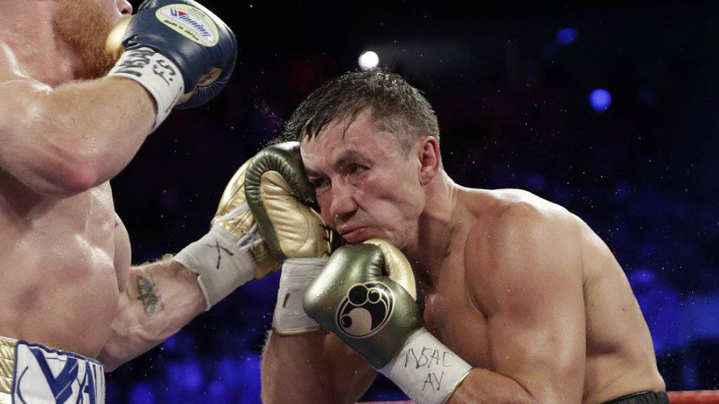 Gennadi Golowkin (rechts) bleibt Weltmeister im Mittelgewicht