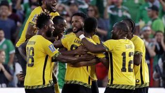 Jamaikas Spieler bejubeln das siegbringende Tor von Kemar Lawrence