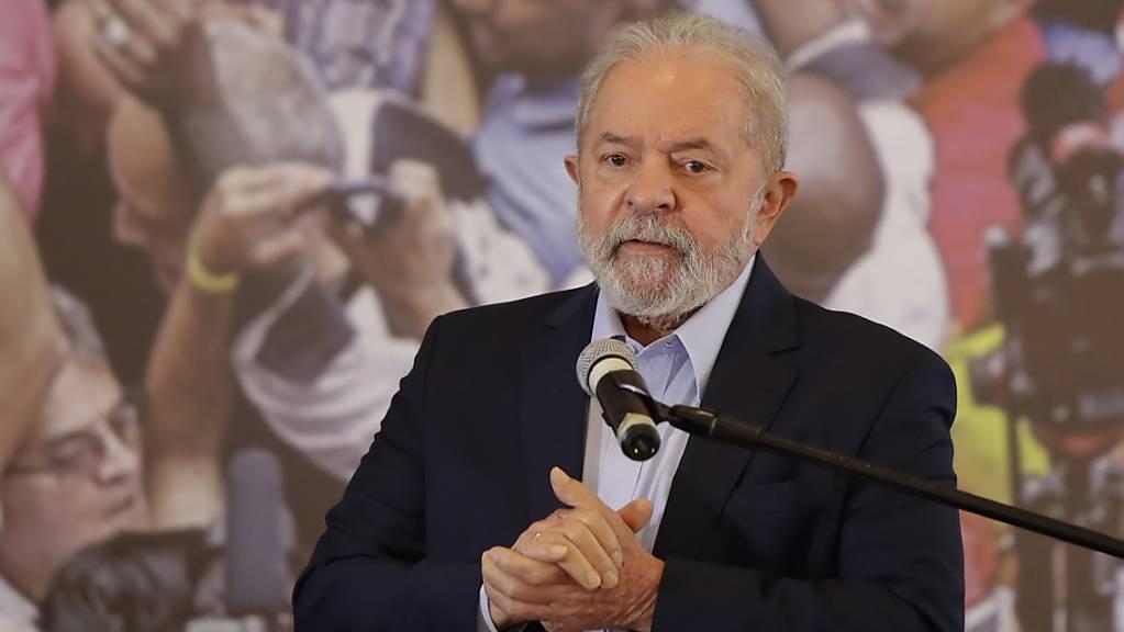 Ein Richter am Obersten Gerichtshof Brasiliens hat die Verurteilungen des ehemaligen Präsidenten Lula aufgehoben. Foto: Andre Penner/AP/dpa