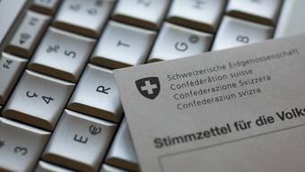 Am Computer kann nicht mehr abgestimmt werden: Der Kanton Genf stellt sein von mehreren weiteren Kantonen genutztes E-Voting-System ein. (Symbolbild)
