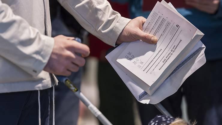 Der Abstimmungssonntag hatte es in sich: fünf eidgenössische Vorlagen, drei kantonale in Basel-Stadt, sechs in Baselland.