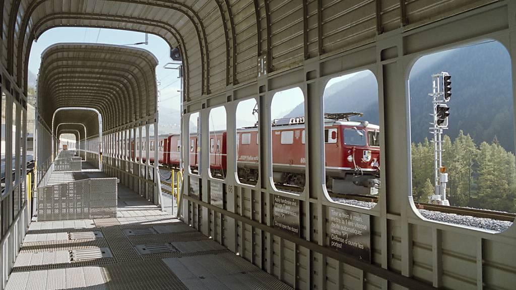 Eine Zugskollision beim Vereinatunnel ist am Samstag glimpflich verlaufen. Es wurde niemand verletzt. (Archivbild)