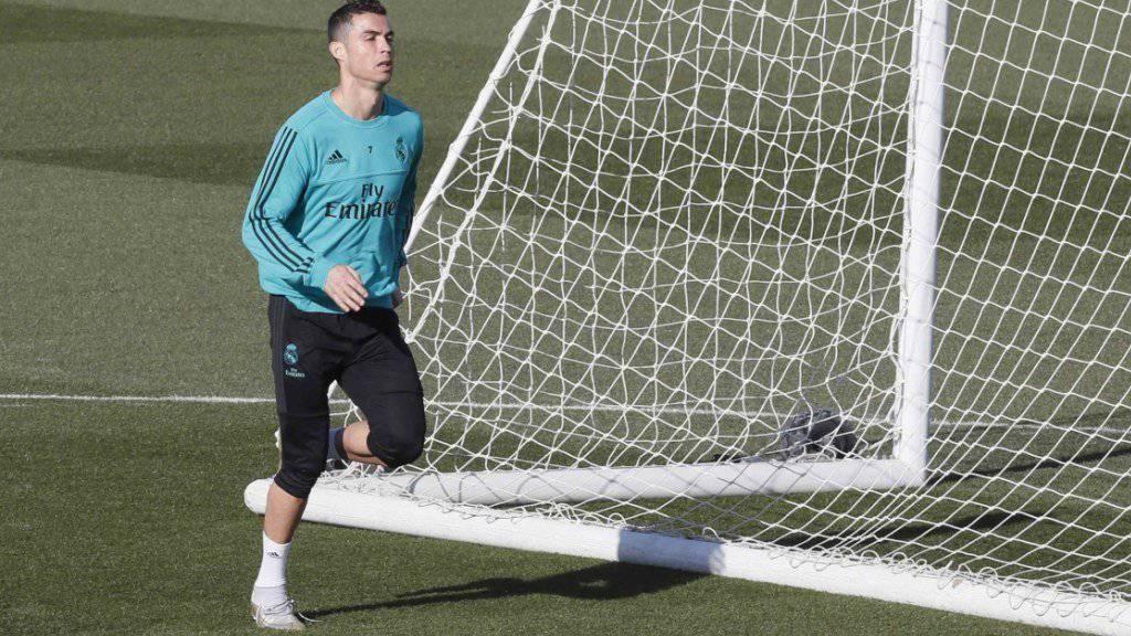 Rechtzeitig zurück auf dem Rasen: Der zuletzt angeschlagene Cristiano Ronaldo läuft sich im Abschlusstraining von Real Madrid warm