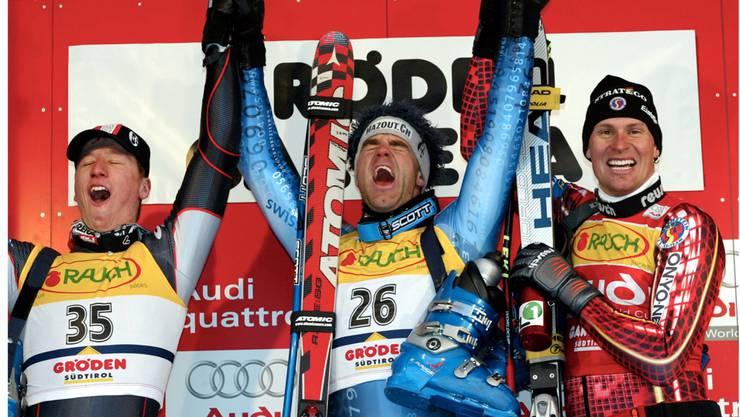 Der Startschuss in eine erfolgreiche Karriere: Didier Défago gewinnt 2002 den Super-G vor Hannes Reichelt (links) und Marco Büchel.