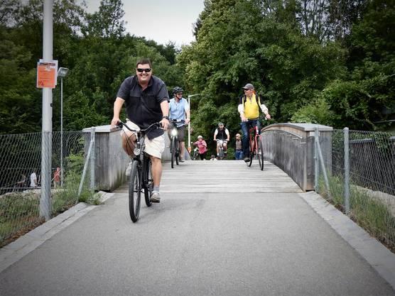 Weiter gehts über die extra gebaute Brücke über den Emmenkanal