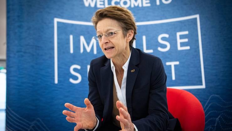 Macht Sitzungen gerne auf dem Sessellift: FIS-Generalsekretärin Sarah Lewis.