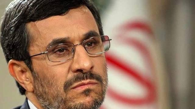Ahmadinedschad in der Defensive (Archiv)