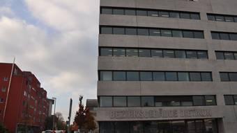 Der Angeklagte soll einem Mädchen mehrfach Drogen verabreicht und es anschliessend missbraucht haben. Nächste Woche urteilt das Bezirksgericht Dietikon über ihn.