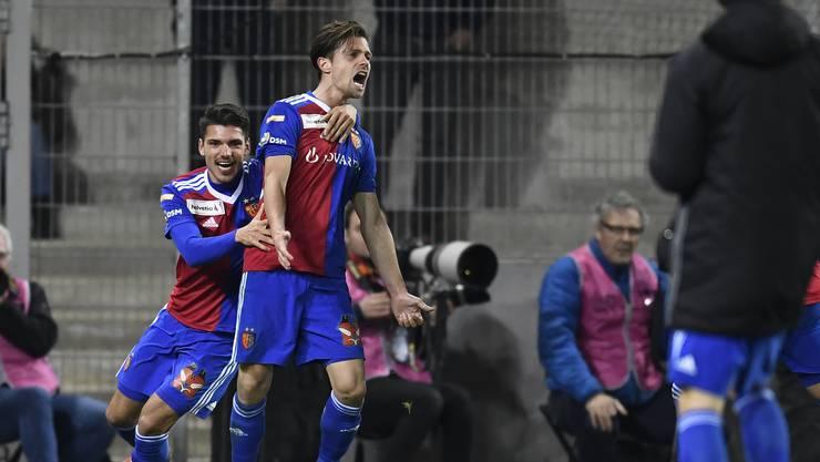 Der FC Basel steht im Cup-Halbfinal. In einer verrückten Partie setzen sich die Basler mit 4:2 nach Verlängerung durch.