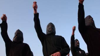 Bei einem Angriff von Dschihadisten nahe Bagdad sind am Sonntagabend elf Personen getötet worden. (Symbolbild)
