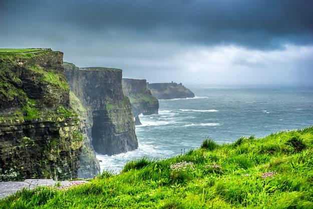 ... und Irland hält an.
