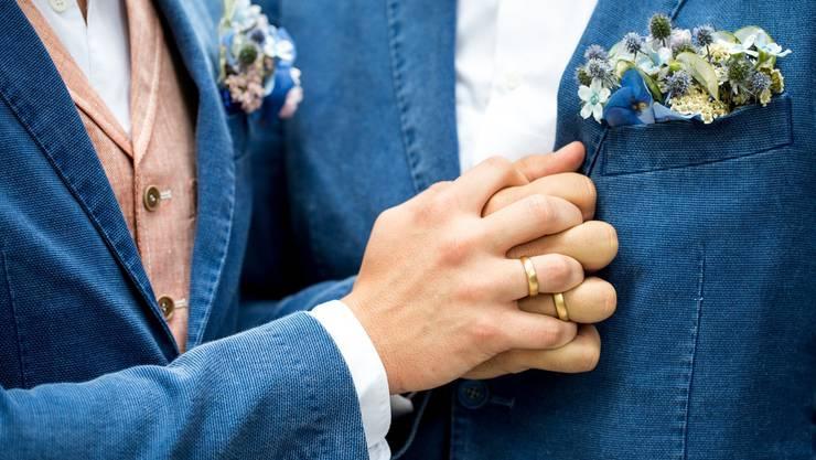"""Der Kirchenrat der Kirchenrat der Reformierten Landeskirche Aargau ist einstimmig für die """"Ehe für alle"""". (Symbolbild)"""