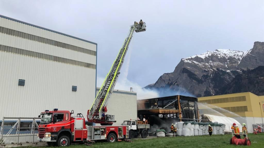 Grosser Sachschaden bei Brand einer Industriehalle in Maienfeld