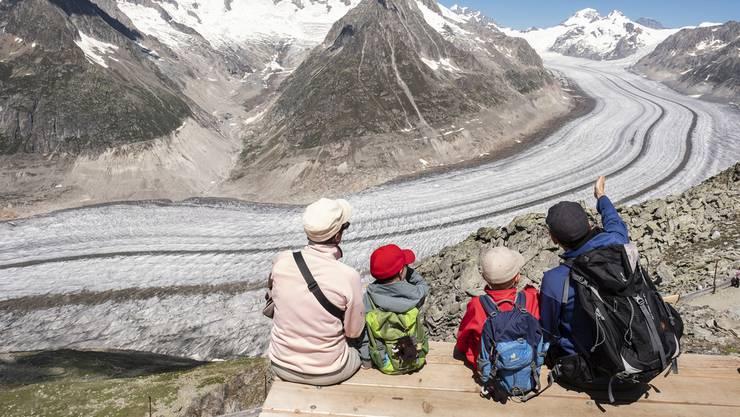 Der Aletschgletscher verliert jedes jahr bis zu 12 Höhenmeter Eis. Das Bild stammt aus dem vergangenen Juli.