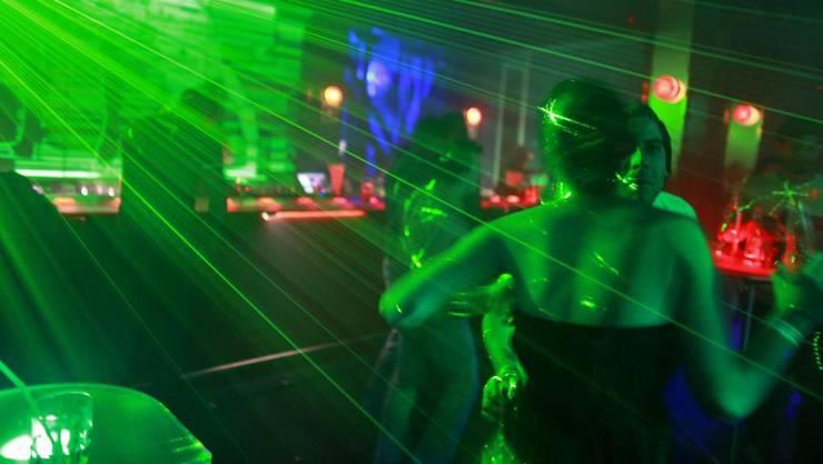 Die Attacken mit Flaschen geschahen im und vor dem Club Obsession an der Clarastrasse. (Symbolbild)