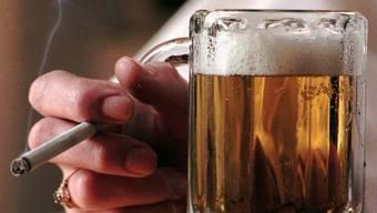 Die meisten Fälle der Suchthilfe drehten sich um Probleme mit übermässigem Alkoholkonsum. (Symbolbild)