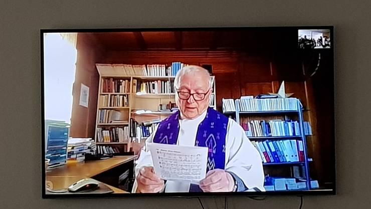 Hans Zünd während seines Skype-Gottesdiensts: Er ist leitender Priester des Pastoralraumes Mittlerer Leberberg mit den Gemeinden Bellach, Lommiswil, Selzach, Langendorf und Oberdorf.