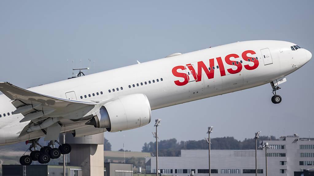 Im Vergleich zum September 2019 gab es im vergangenen Monat am Flughafen Zürich 62 Prozent weniger Starts. (Archiv)