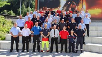 Eine Kursteilnehmerin und 35 Kursteilnehmer erhielten ihr Diplom zum Offizier nach erfolgreich abgeschlossenem Kurs.