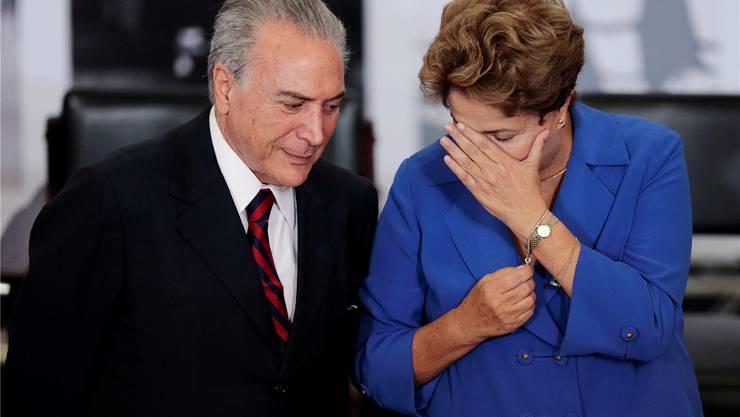 Michel Temer mit der suspendierten Präsidentin Dilma Rousseff. REUTERS