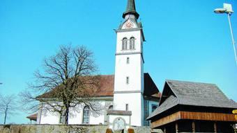 Keine Folgen: In Leimiswil sowie Kleindietwil steht vorerst kein Wechsel zum Turm von Madiswil zur Diskussion. (Bilder: JR/IBA)