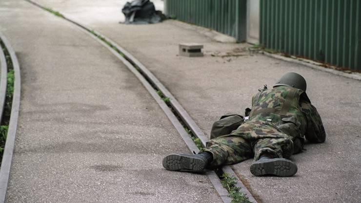 Einige Soldaten am Boden: Vermutlich hat sich der Norovirus in der EKF Kompanie 64-3 ausgebreitet