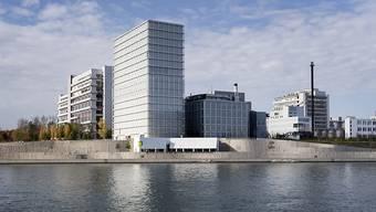 Novartis erhöht in Basel und Stein den Jahresbasislohn.