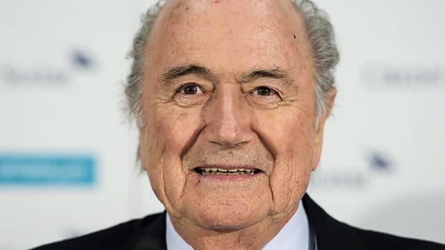 FIFA-Präsident Sepp Blatter will weitere vier Jahre im Amt bleiben
