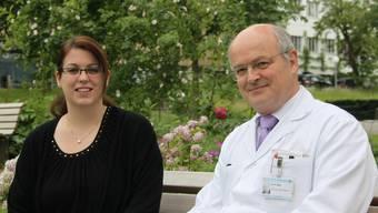 Daniela Baumann und Prof. Dr. Walter R. Marti, Leiter der Klinik für Chirurgie am Kantonsspital Aarau KSA.