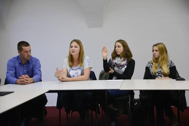 Am Morgen hatten die Jugendlichen Anliegen zusammengetragen. Am Nachmittag präsentierten sie diese den Kantonsräten