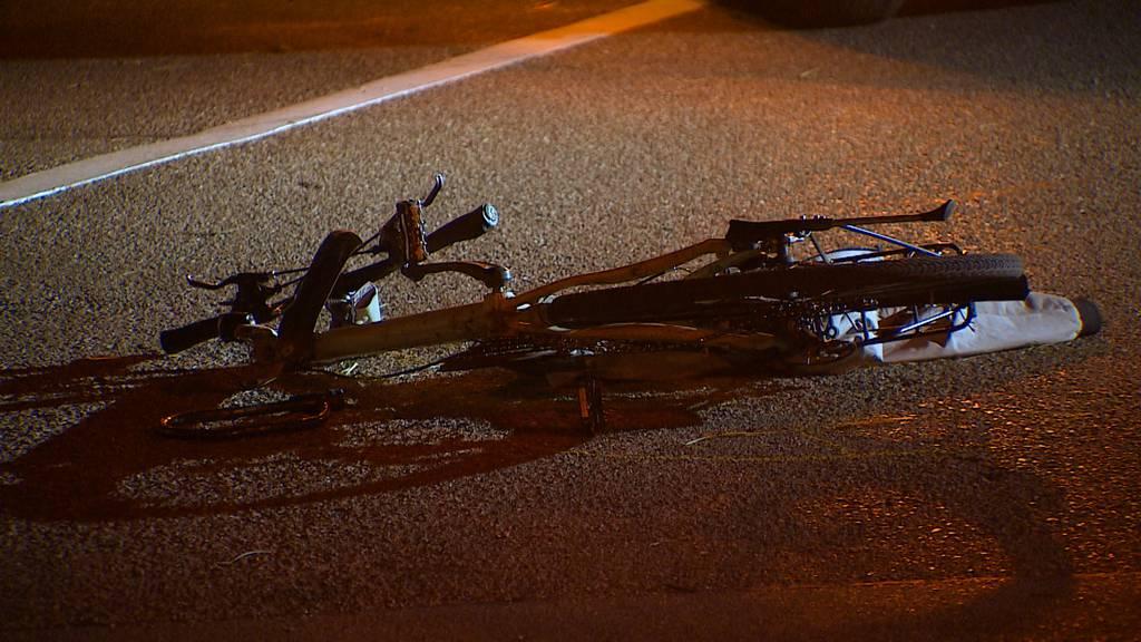 Lanzenneunforn (TG): Velofahrer nach Kollision mit Auto schwer verletzt