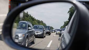 Unfall verursachte rund zehn Kilometer Stau auf der A1.