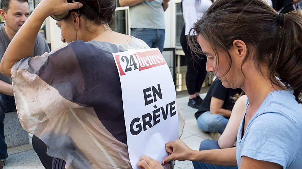 """""""Im Streik"""": Als Folge des Streiks bei Tamedia in der Westschweiz sind die betroffenen Zeitungen am Mittwoch in reduziertem Umfang erschienen."""