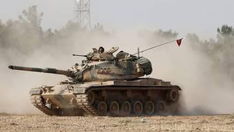 Ein türkischer Panzer nahe der türkisch-syrischen Grenze.