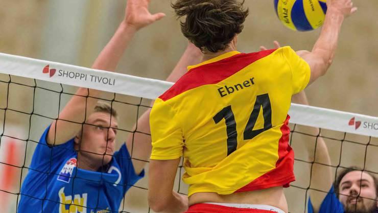 Ohne Probleme am Samstag - viel Mühe am Sonntag. Die NLB-Jungs von Volley Smash 05 mit zwei unterschiedlichen Leistungen.