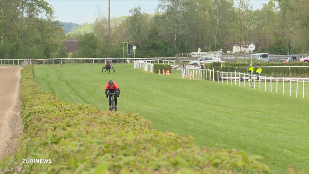 Franco Marvulli misst sich mit einem Rennpferd