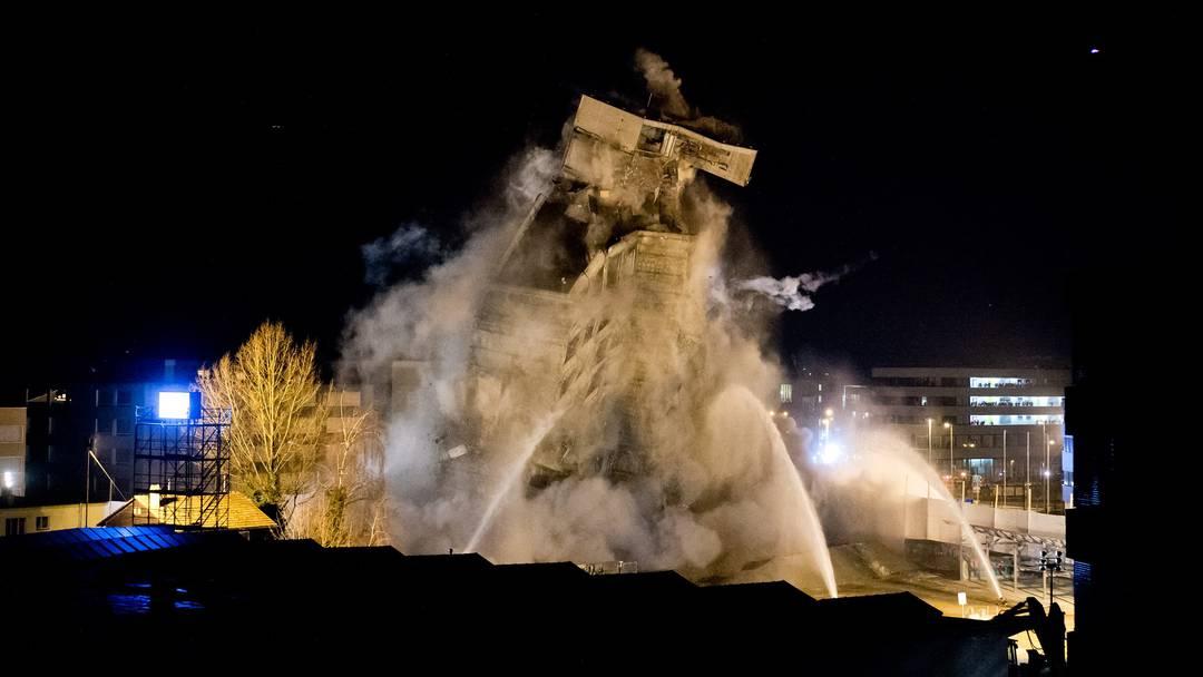 Best of Sprengung: Das Rockwell-Hochhaus liegt flach (2013)