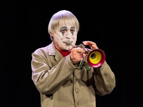 """Dimitri im April dieses Jahres in Verscio, Tessin, während der Präsentation seines neuen Stücks """"DimiTRIgenerations"""" der Familie Dimitri."""