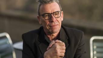 """Der Berner Schriftsteller Tom Kummer veröffentlicht mit """"Von Schlechten Eltern"""" einen faszinierenden Roman über Trauer. Unbeschreiblich grosse Trauer."""
