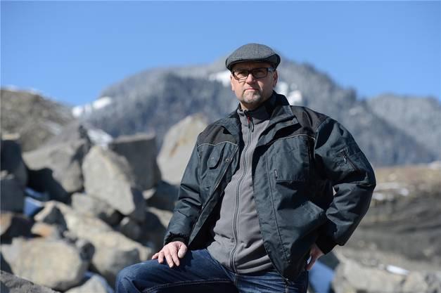Die bz besuchte Thomas Meier vor dreieinhalb Jahren im Alpnacher Sandsteinbruch – noch bevor er die ersten Platten nach Basel lieferte.