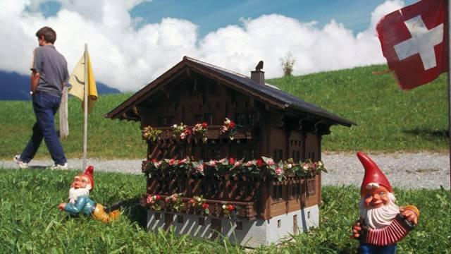 Deutschschweizer träumen vom Häuschen mit Garten und Platz für Fido