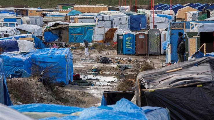 Sie nennen es «The Jungle»: Improvisiertes Flüchtlingslager in der Kanalzone von Calais.