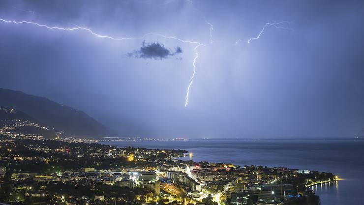 Im Sommer 2018 schlugen in der Schweiz über 240'000 Blitze ein. (Archivbild)