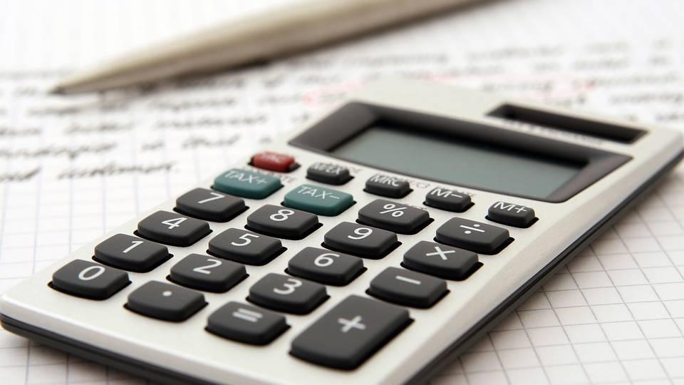 Schwyzer Parlament senkt Besteuerung der Gewinne