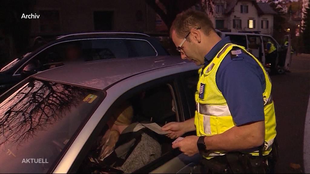 Masken bei Verkehrskontrollen: Aargauer Senior fordert Maskenpflicht für Polizisten
