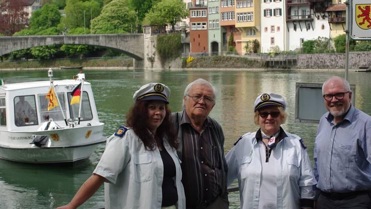 Freuen sich auf die neue Saison mit der MS «Stadt Laufenburg»: Elisabeth Grieshaber (von links), Max Eisenhut, Silvia Blaser und Rudolf Lüscher.