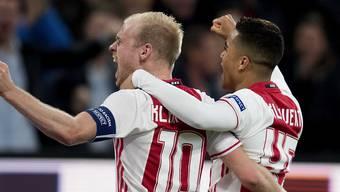 Jubel bei Ajax Amsterdam nach dem Heimsieg gegen Schalke