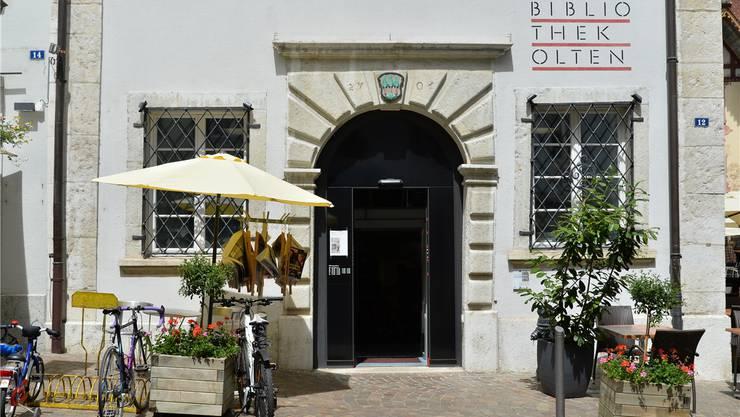 Das Café Littéraire findet am Dienstag, 27. September, 18.30 bis 19.45 Uhr in der Stadtbibliothek Olten statt.