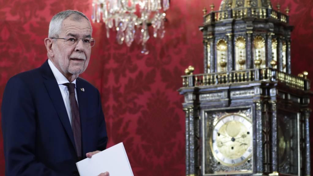 Alexander Van der Bellen, Bundespräsident von Österreich, gibt eine Erklärung zur politischen Situation im Land ab.